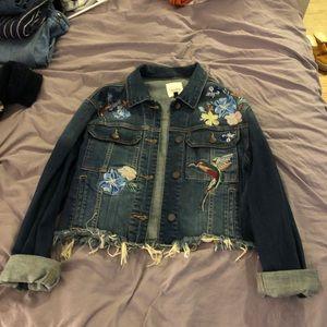 Embroidered cropped denim jacket